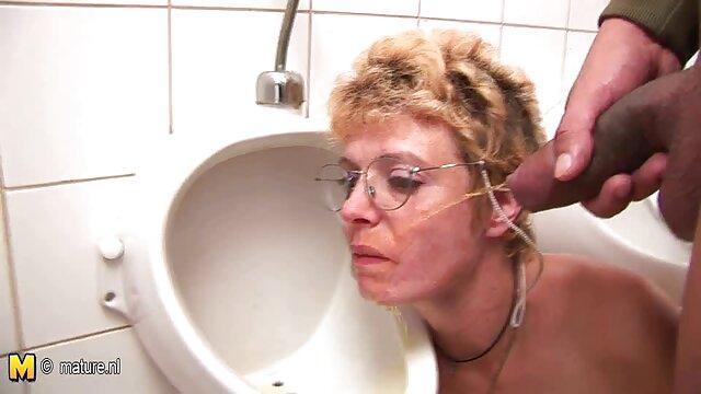 Tetona Holly jugando con sus tetas y video porno arab su coño